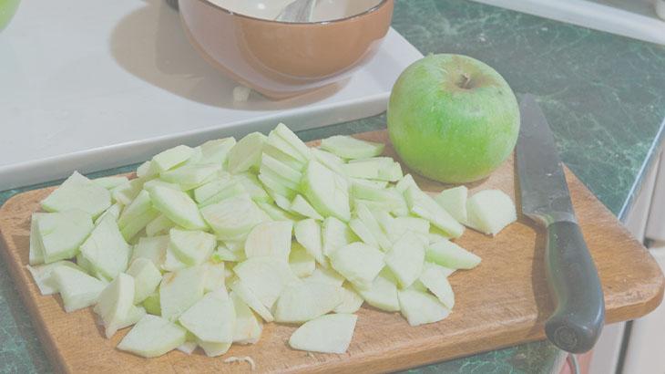 пирог с яблоками пошаговый
